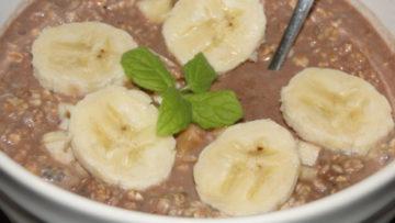 ovsená kaša s banánmi a kakaom