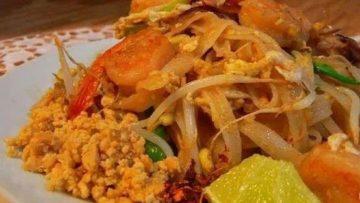 thajské ryžové nudle s chili