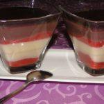 pudingový dezert s jahodami