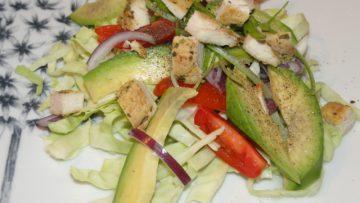 zdravý šalát z avokáda