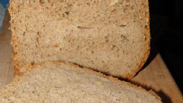 tmavý toastový chlieb