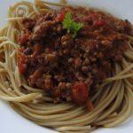 špagety s rajčinovou salsou
