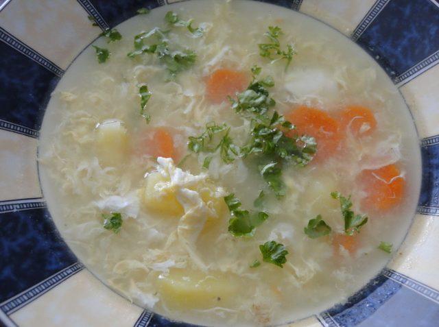 polievka z koreňovej zeleniny
