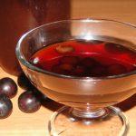 likér z čerešní a jahôd