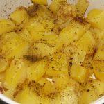 vynikajúce pečené zemiaky