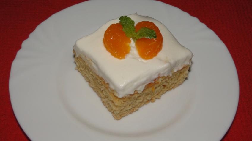 ovocný koláč so šľahačkou