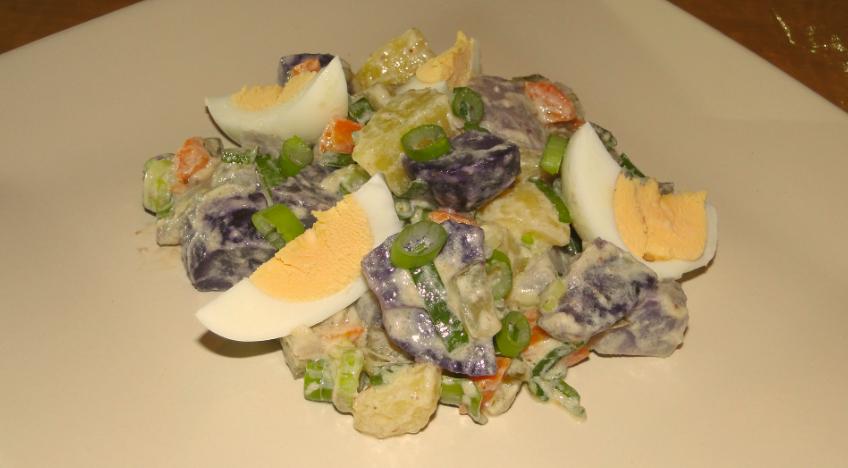 čo z fialových zemiakov