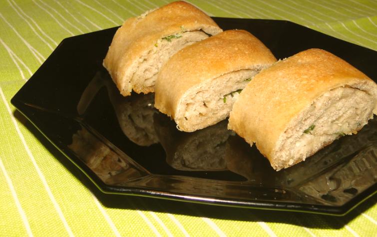 bageta s cesnakovo-petržlenovou plnkou