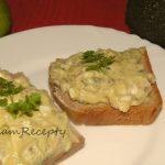 zdravé raňajky z avokáda