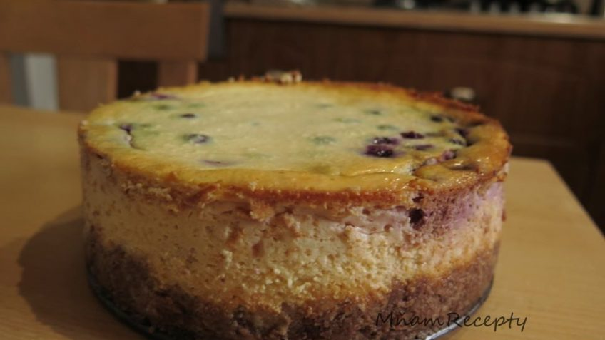 čerešňový tvarohový koláč