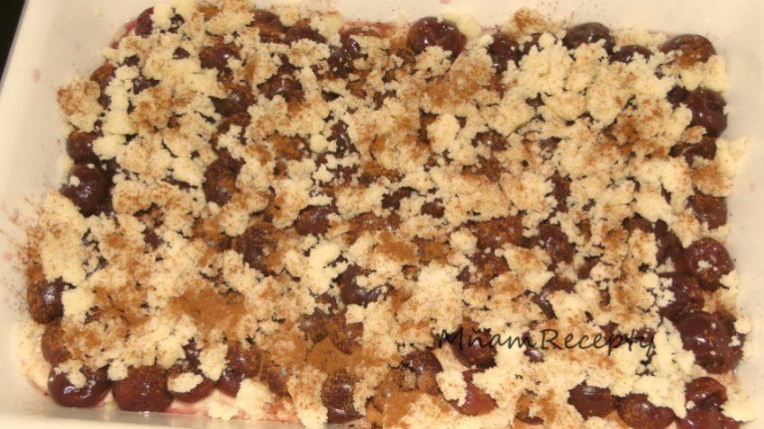 čerešňový liaty koláč