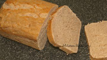 domáci celozrnný chlieb